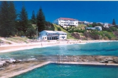 ocean_pool__surf_club_at_main_beach__pacific_hotel